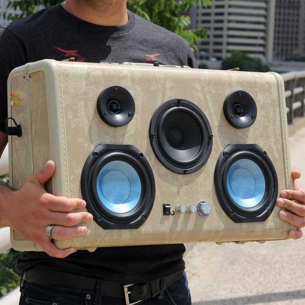 blue-bayout-suitcase-600x600