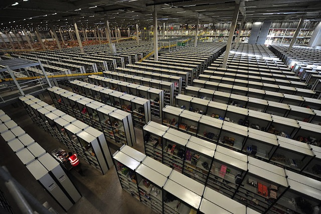 inside-amazon-warehouse_03