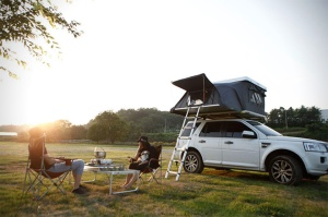 iKampers-Hardtop-One-Rooftop-Tent-4